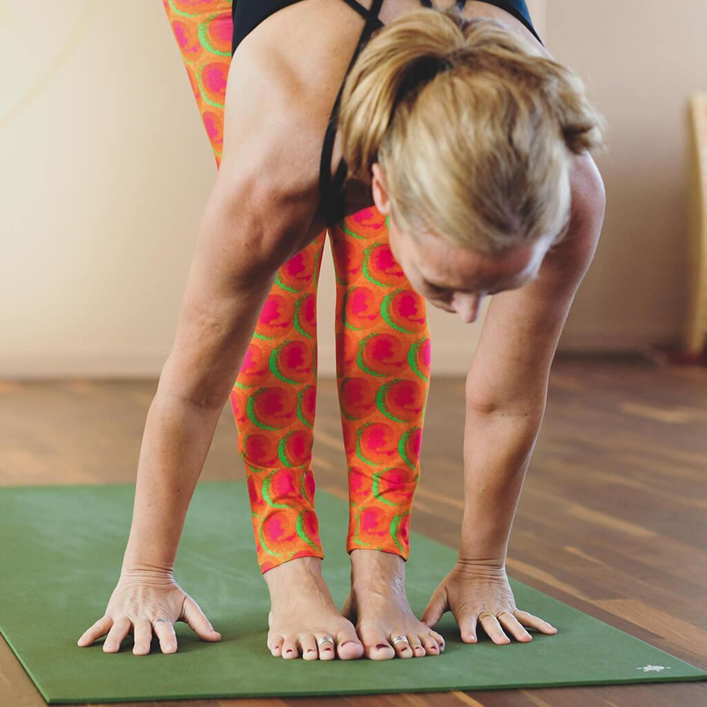 ashtanga yoga sun salutation